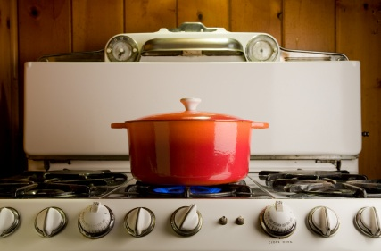 cast.iron_.pot_.on_.stove_.istock